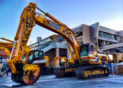 Kobelco Excavators Feature Patriotic Wraps from GeckoWraps | Avery